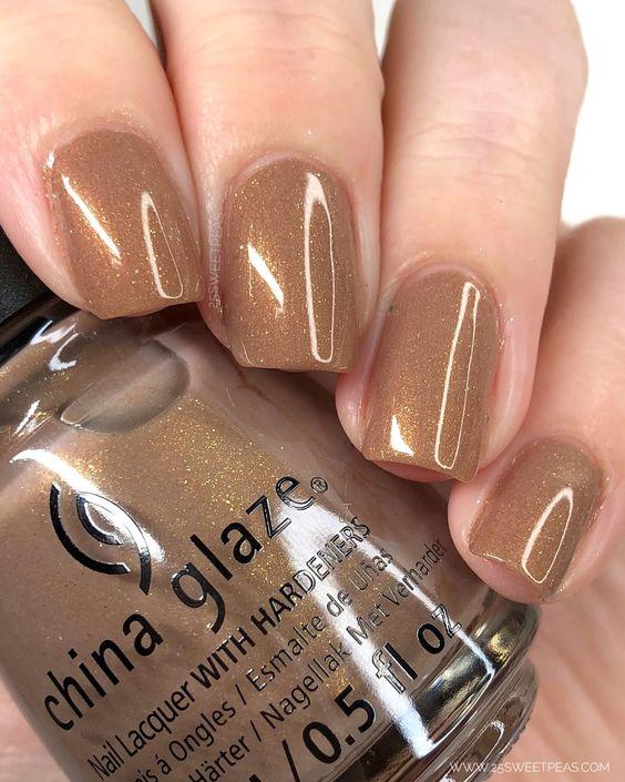 Chocolate gold nail art